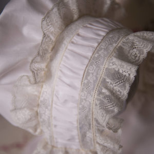 french-bonnet-with-puffing-headband-595063771-300x300
